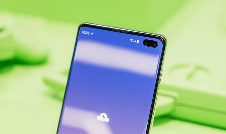 Thiết kế màn hình kết hợp camera rất độc đáo của Samsung S10 Plus
