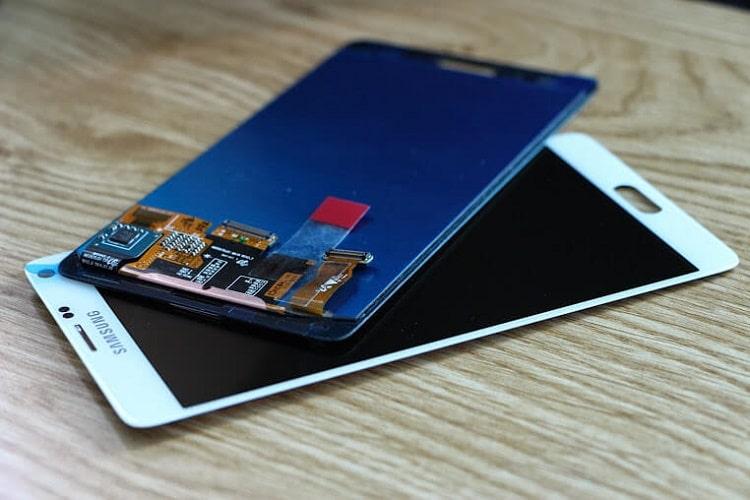 Nếu do yếu tố chủ quan khả năng cao bạn sẽ cần thay màn hình Samsung mới