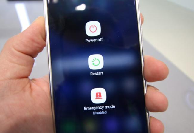 Khởi động lại điện thoại Android